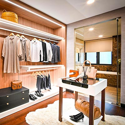 How to optimize storage space for clothes